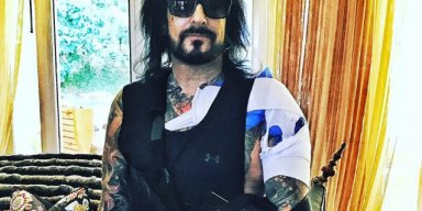NIKKI SIXX Posts Graphic Footage Of Rotator Cuff Surgery (Video)