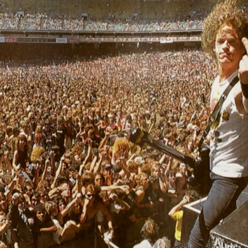 Jason Newsted remembers what Cliff Burton's parents told him after joining Metallica