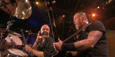 Man Arrested For Urinating On Family During METALLICA Concert