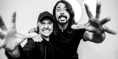 LARS ULRICH Interviews DAVE GROHL!