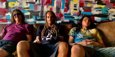 AMAMMOTH: Aussie sludge/stoner/doom group releases new single; LP 'The Fire Above' nears release via Electric Valley Records