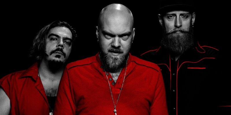 "Canada's Vinyl Hero Shares Cover of Peter Gabriel's ""Sledgehammer"""