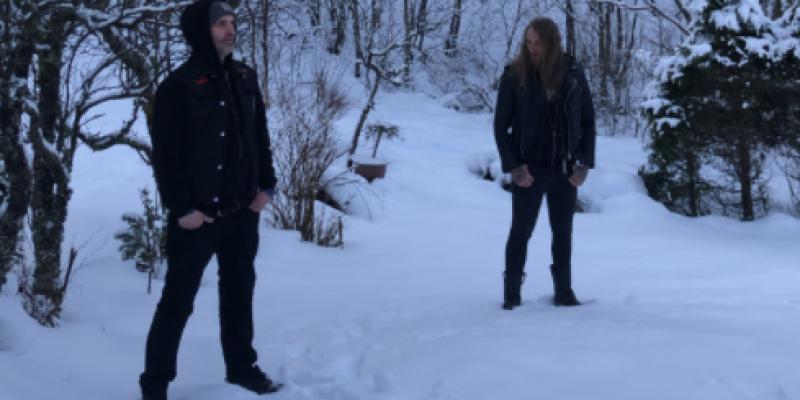 "PHANTOM FIRE stream EDGED CIRCLE debut EP at ""Decibel"" magazine's website - features members of GAAHLS WYRD, KRAKOW+++"