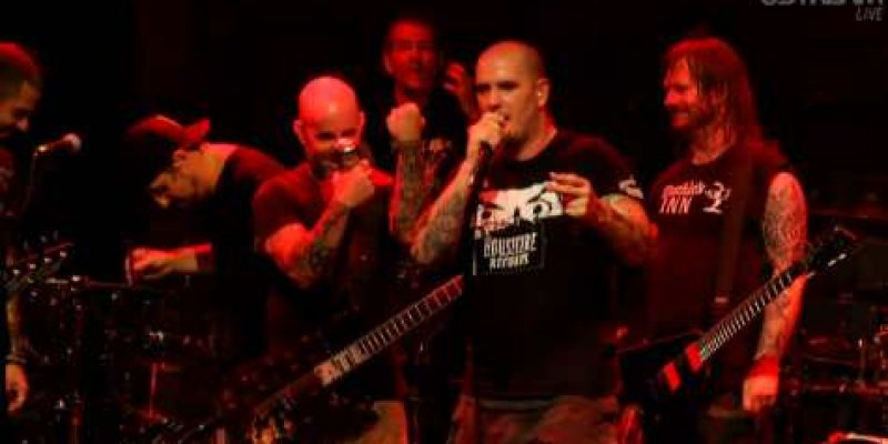 SCOTT IAN Says It Was His 'Responsibility' As PHILIP ANSELMO's 'Friend' To Call Him Out Over 'White Power' Incident