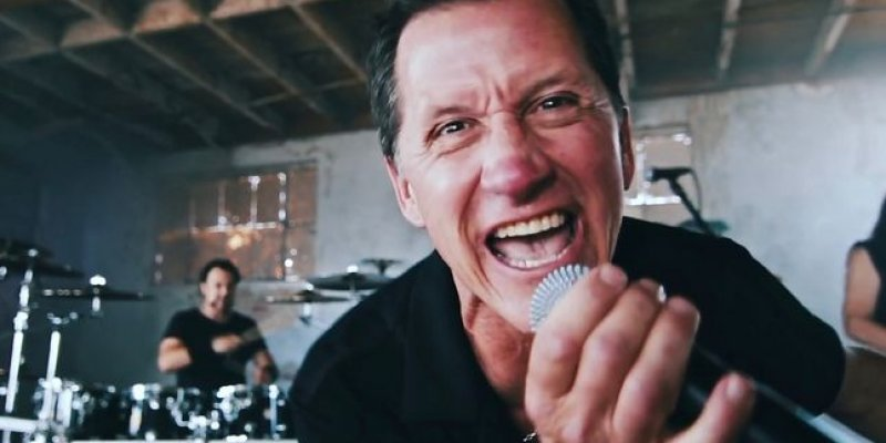 MIKE HOWE - NEITHER DRUGS NOR ALCOHOL BELIEVED TO BE FACTORS IN SUDDEN DEATH OF METAL CHURCH FRONTMAN