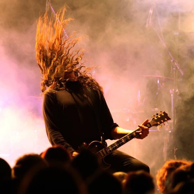 Best Ever 15 Heavy Metal Songs You'll Never Get Tired Of Listening To
