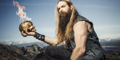 Watch ZAKK WYLDE Perform Acoustically At PLANET ROCK Studios