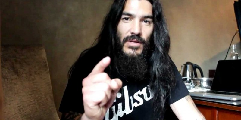 MACHINE HEAD's ROBB FLYNN: 'I Don't Hear A Lot Of Rock Or Metal Bands Standing Up And Saying Anything'
