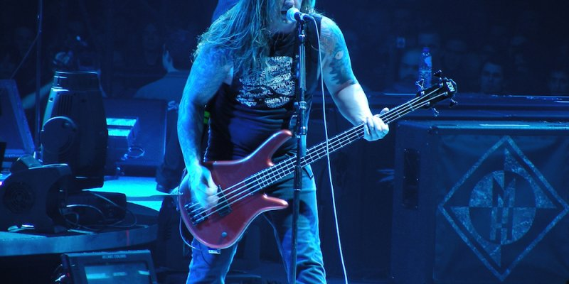 "Former Machine Head Bassist Adam Duce Says ""The Band Looks Gay AF"""