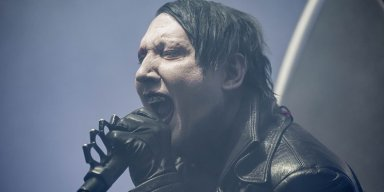 Marilyn Manson Has A Complete Meltdown On Stage And Fans Demand A Refund!