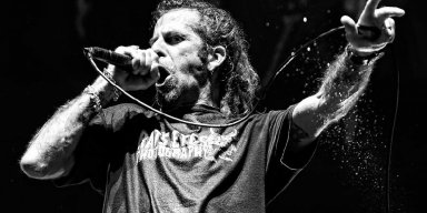 "LAMB OF GOD's Randy Blythe on School Shootings: ""No More Thoughts & Prayers, They Ain't Working"""