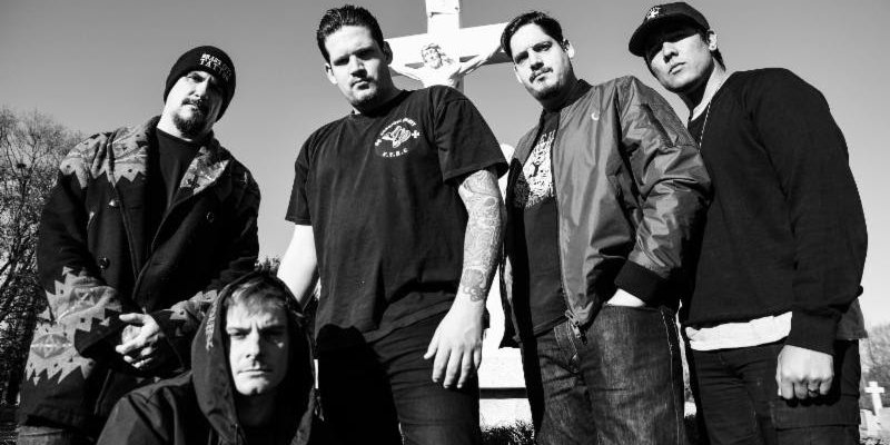 TWITCHING TONGUES Kicks Off Tour With Hatebreed, Crowbar, And The Acacia Strain