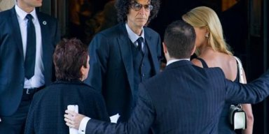 Howard Stern tells Donald Trump to 'get the f*** out of the White House'