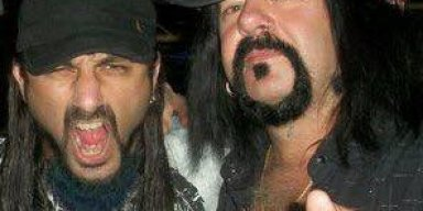 MIKE PORTNOY: VINNIE PAUL's Drumming On Early PANTERA Major-Label Albums Was 'The Benchmark'