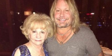 VINCE NEIL's Mother Dies After Battle With Cancer!