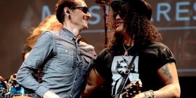 SLASH Recalls Recording Song With CHESTER BENNINGTON!