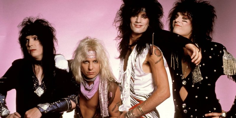 Vince Neil Says MÖTLEY CRÜE Is Recording Four New Songs!