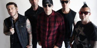 Here Is Official Preview Of New AVENGED SEVENFOLD Song 'Mad Hatter'