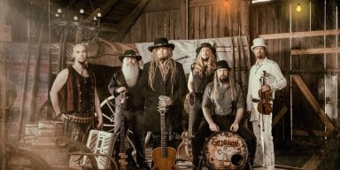 KORPIKLAANI release 'Kuin korpi nukkuva' lyric video ahead of N.A. tour with ARKONA