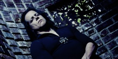 GLENN DANZIG Calls Current U.S. Government A 'Farce', Says Political Situation Is 'F**ked Up'