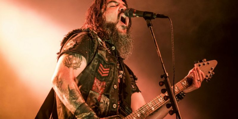 Couple Ejected From Machine Head Show for Having Sex in Front Row!