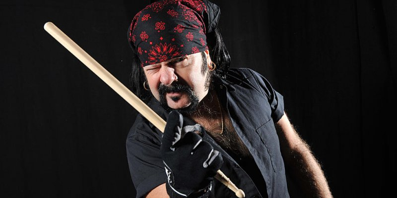 Nickelback Claims Vinnie Paul Didn't Wanna Be Alive Anymore!