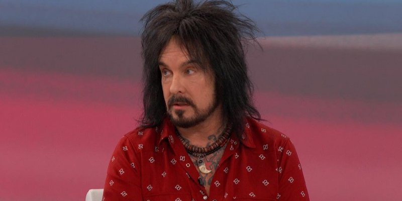 Motley Crue's NIKKI SIXX Is 'Shocked' R. KELLY 'Is Not In Jail Or Dead'