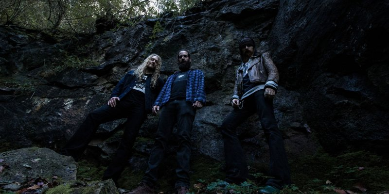 Eremit Crushing New Release From Transcending Obscurity Records Streaming Here!
