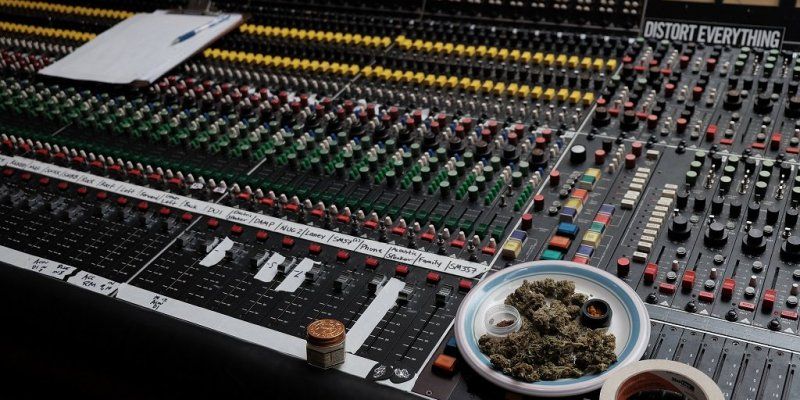 Sleep are in the Studio with a Ton of Weed!