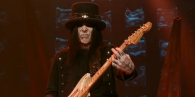 MICK MARS Says His Upcoming Solo Album Will Be 'A Bit Harder' Than MÖTLEY CRÜE