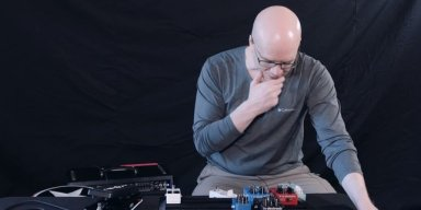 Devin Townsend Builds His Pedalboard, Explains Preferred Order of Pedals