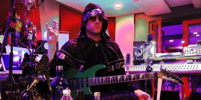 "Wes Borland: Why No One Wants New Limp Bizkit, Says Staind's Aaron Lewis Is A ""Dickhead"""