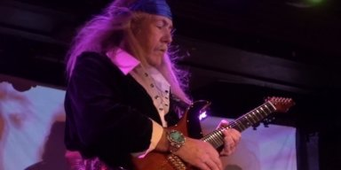 ULI JON ROTH: 'Stopped Listening To Music A Long, Long Time Ago'