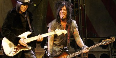 Nikki Sixx: Jake E. Lee's Story Is 'Make Believe'