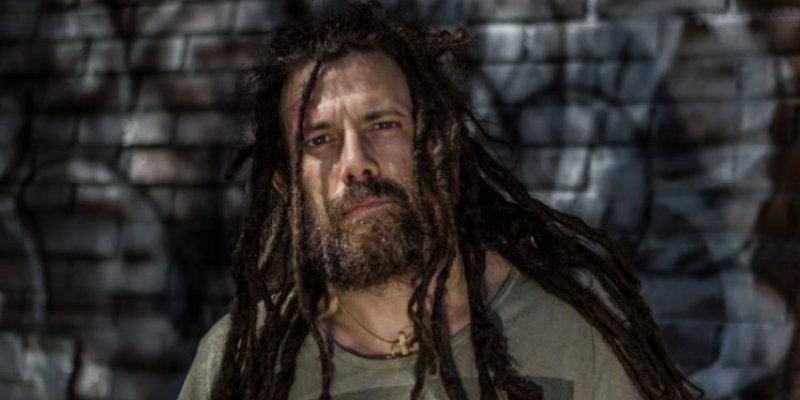 SIX FEET UNDER's CHRIS BARNES Slams THY ART IS MURDER Over 'Human Target' Title