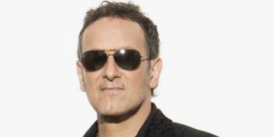 VIVIAN CAMPBELL: Prefers VAN HALEN With DAVID LEE ROTH