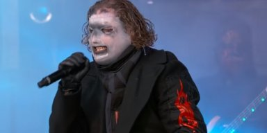 COREY TAYLOR BLOWS OUT TESTICLE