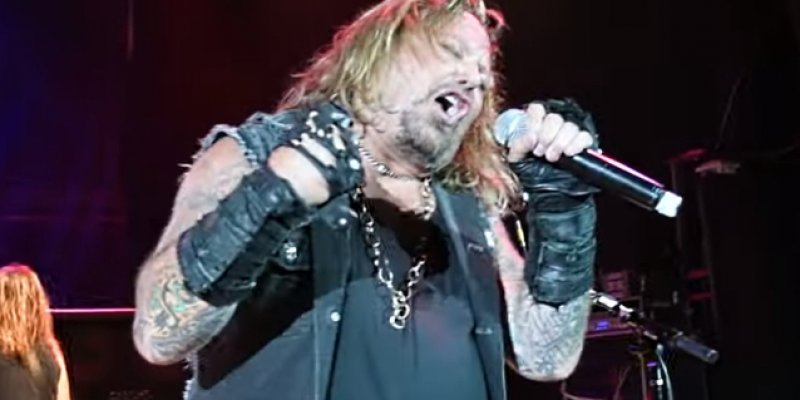 VINCE NEIL Performs MÖTLEY CRÜE Classics At Alameda County Fair
