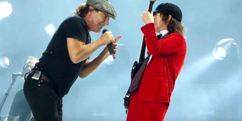 AC/DC IN 'ZOMBIELAND'
