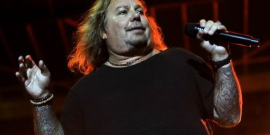 Vince Neil Makes Crucial Safety Announcement After A Show