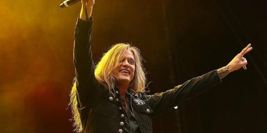 SEBASTIAN BACH Kicks Off 'Skid Row' 30th-Anniversary