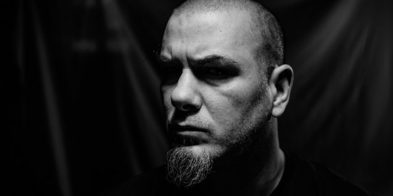 PHILIP ANSELMO: Lyrical Inspiration For EN MINOR 'I Don't Wanna Be That Dude, But I Do Have Some Dad Issues'