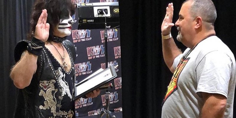 Eric Singer sworn in as an honorary police officer in Texas