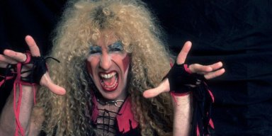 DEE SNIDER Slams NFL, And Makes A Good Point!