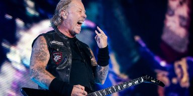 METALLICA Covers JUDAS PRIEST's Cover Of FLEETWOOD MAC's 'The Green Manalishi'