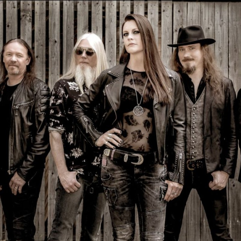 Release new live single 'Devil & The Deep Dark Ocean' from upcoming live album!