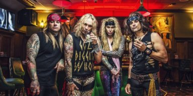 STEEL PANTHER's Thanksgiving Song