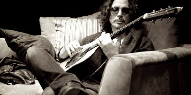 CHRIS CORNELL's Music Reaches 2,400 Percent Sales Gain Following His Death