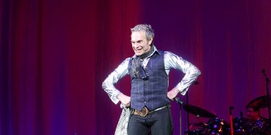 DAVID LEE ROTH IN COLUMBIA