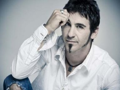 SULLY ERNA Posts 'Fake News' About BERNIE SANDERS